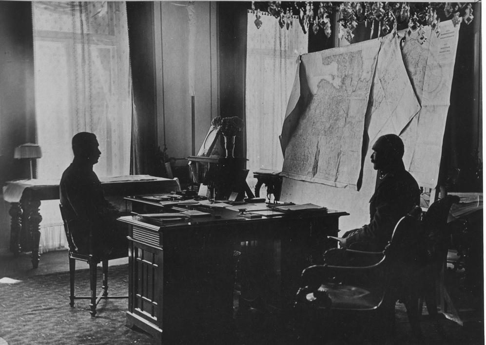 Akseli Gallen-Kallela Mannerheimin adjutanttina 1919. Kuva: GKM