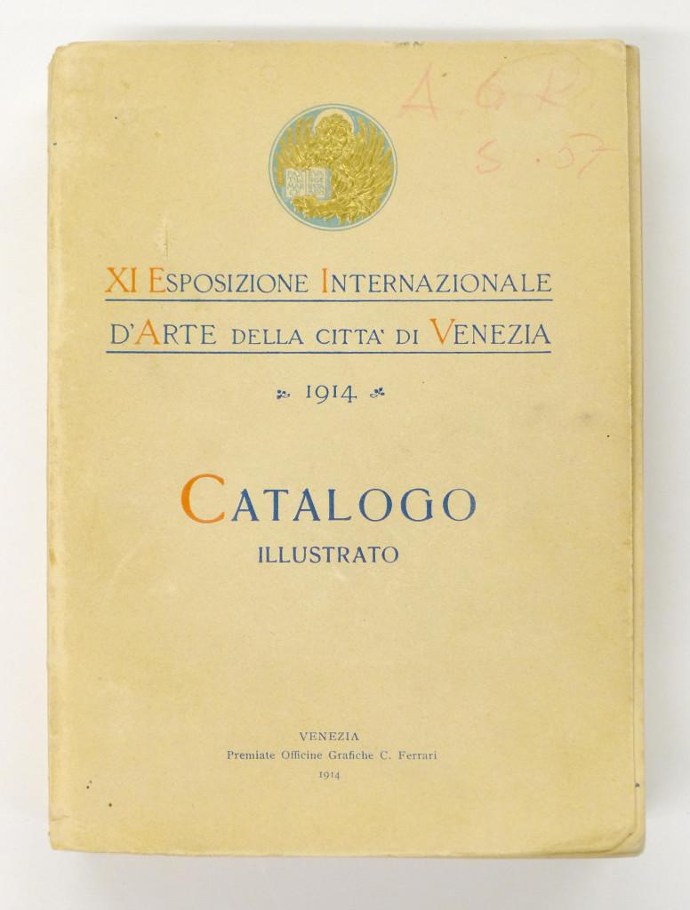 Vuoden 1914 Venetsian biennaalin luettelo Gallen-Kallelan kotikirjastosta. Kuva: GKM